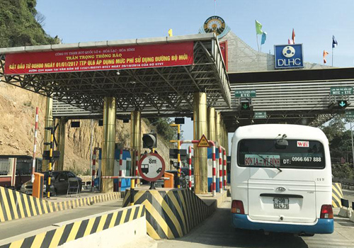 Thu phí trên quốc lộ 6 để hoàn vốn dự án cải tạo quốc lộ 6 và đầu tư tuyếnHòa Lạc - Hòa Bình. Ảnh: Xuân Hoa.