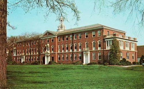 Mỹ là nơi sở hữu nhiều trường đại học nổi tiếng.