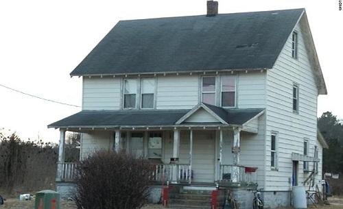Ba trẻ em bị bắt nhốt và hành hạ trong căn nhà ở Mardela Springs trong nhiều tháng. Ảnh: CNN.