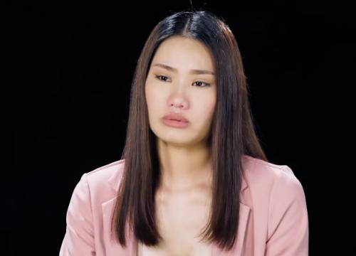 Thủy xúc động khi kể về chuyện tình buồn.