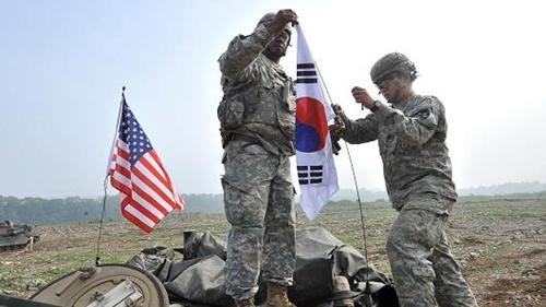 Tập trận chung Mỹ - Hàn năm 2013. Ảnh: AFP.