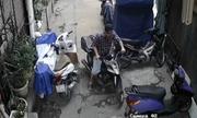 Gần Tết, hai thanh niên vào khu nhà tập thể trộm xe máy