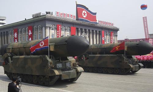 Tên lửa Triều Tiên trong cuộc duyệt binh năm 2017. Ảnh: KCNA.