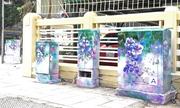 Tủ điện 'nở hoa' trên phố Hà Nội