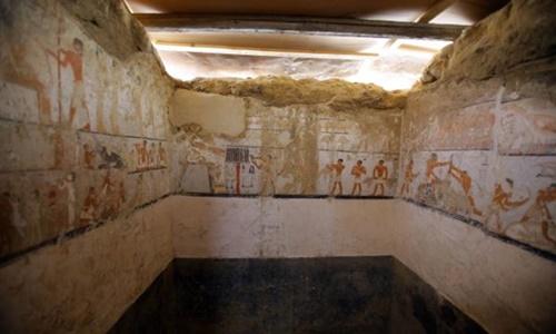 Một sốhình vẽ trên tườngtrong lăng mộ Hetpet. Ảnh: UPI.