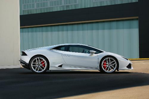 Chính phủBulgariachỉ lựa chọn 5 nhà sản xuất ôtô cao cấp để điều tra.