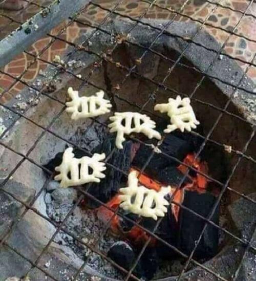 Cua nướng ngũ vị.