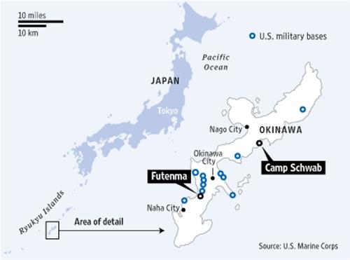 Vị trí căn cứ không quân cũ ở Futenma và địa điểm mới Camp Schwab. Đồ họa: WSJ