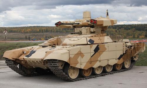 Thiết giáp yểm trợ tăng BMPT-72. Ảnh: Tass.