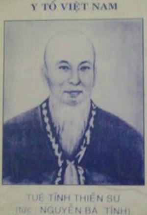 Ảnh chụp một tư liệu có hình chân dung Tuệ Tĩnh thiền sư với tựa đề Y tổ Việt Nam. Ảnh: Internet
