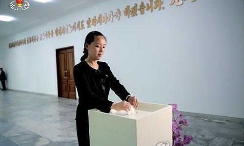 Bà Kim Yo-jong đi bỏ phiếu tại một cuộc bầu cử địa phương năm 2015. Ảnh: Yonhap