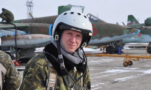 Phi công Roman Filipov khi còn sống. Ảnh: Bộ Quốc phòng Nga.