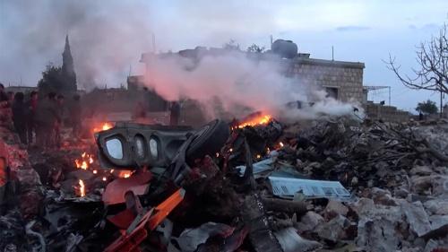 Hiện trường máy bay Su-25 bị bắn ở Idlib. Ảnh:Reuters.
