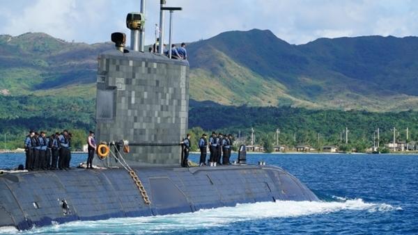 Tàu ngầm HMCS Chicoutimi. Ảnh: CBC.