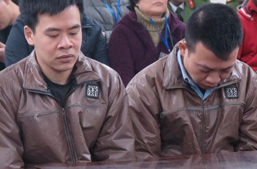 Hai trong số bốn bị cáo tại phiên tòa sơ thẩm.
