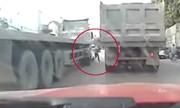Cậu bé thoát chết hy hữu trước đầu hung thần xa lộ