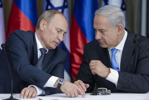 Ông Putin (trái) trong một cuộc găp với ông Netanyahu. Ảnh: AFP.