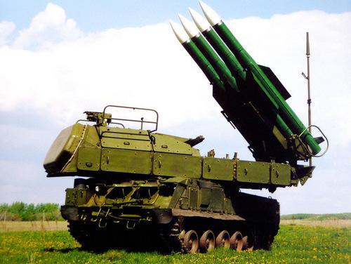 Xe phóng đạn của tổ hợp Buk-M2E do Nga chế tạo. Ảnh: ROE.