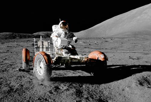 Chiếc xe điện cuối cùng chạy trên bề mặt Mặt Trăng. Ảnh: NASA.
