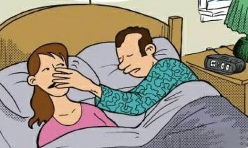 Vợ nổi điên vì chồng tặng dây chuyền