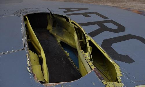 Oanh tạc cơ B-52 Mỹ bị sét đánh rách đuôi