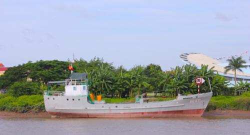 Tàu HQ671 đang được neo tại sông Lạch Tray, Hải Phòng. Ảnh: HQ