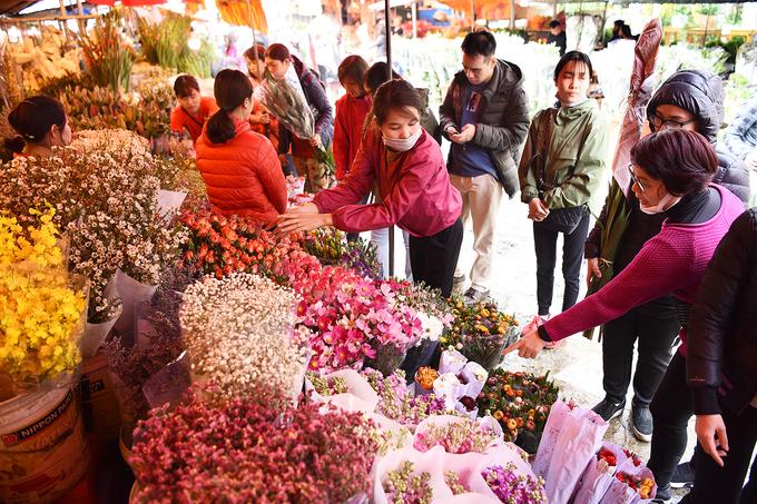 Chợ hoa lớn nhất Hà thành tấp nập ngày đêm