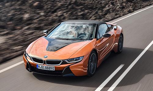BMW i8 Roadster - xe thể thao mui trần giá 164.000 USD