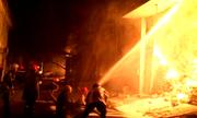 Bốn người trong nhà tháo chạy khỏi đám cháy chiều 30 Tết
