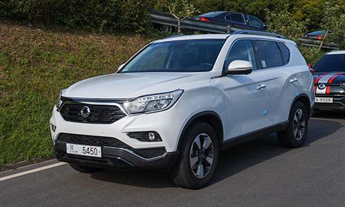 SsangYong G4 Rexton giá 1,45 tỷ - thách thức Toyota Fortuner