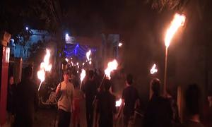 Nghìn người đổ ra đình làng lấy lửa về nhà sau giao thừa