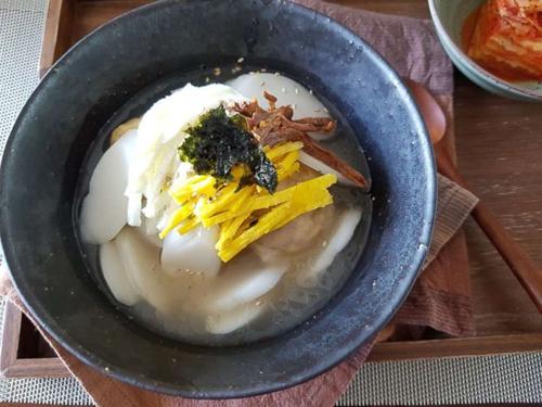 Món bánh canh gạo truyền thống của người Hàn Quốc trong dịp năm mới. Ảnh: ABC News.