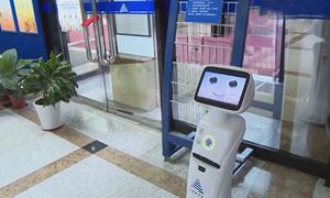Robot thông minh phục vụ thư viện ở Trung Quốc