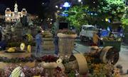 200 người tất bật dọn đường hoa Nguyễn Huệ trong đêm