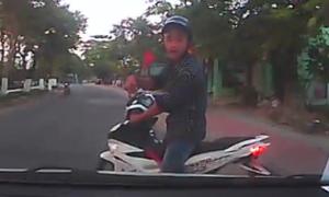 Thanh niên chặn đầu ôtô hàng km