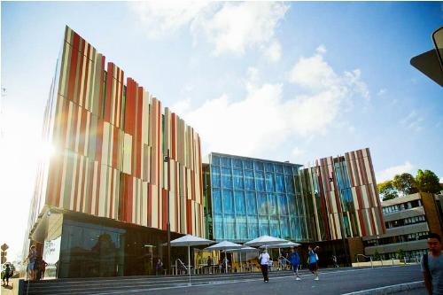 Đại học Macquerie, Sydney (Australia) sẽ tham gia triển lãm du học diễn ra vào 3/3 tại TP HCM và 4/3 tại Hà Nội. Tham khảo thêm chi tiết các ngành đào tạo tại website bậc học cử nhân và thạc sĩ, tiến sĩ của trường.
