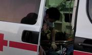 Xe khách lật khi qua khúc cua, 4 người bị thương