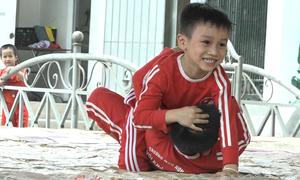 Đô vật trẻ em tranh tài ở vùng ven Hà Nội