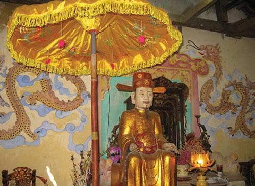 Tượng thờ Thượng thư triều Lê từ quan về quê mở trường dạy học.