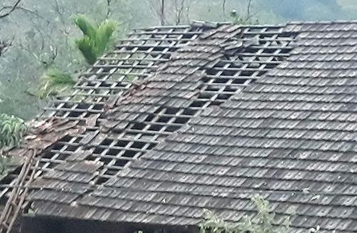 Mưa đá, lốc xoáy ở Nghệ An
