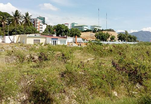 Dự án khu vui chơi ở Nha Trang từng lấp biển bị thu hồi do chậm tiến độ thực hiện. Ảnh: Xuân Ngọc