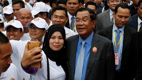 Thủ tướng Campuchia dọa đánh những người biểu tình ở Australia