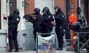 Cảnh sát Bỉ bao vây kẻ mang vũ khí gần trường học