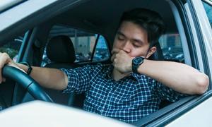 Bí quyết chống buồn ngủ cho tài xế Việt trên đường dài