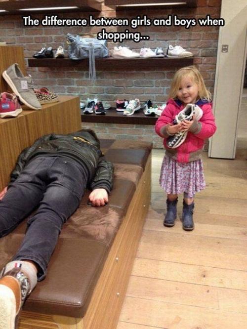 Sự khác biệt giữa con trai và con gái khi đi mua sắm.