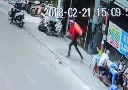 Việt kiều muốn chuộc túi xách bị giật ở Sài Gòn