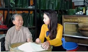 Cụ bà 60 năm theo nghề gói bánh chưng Nhật Lệ