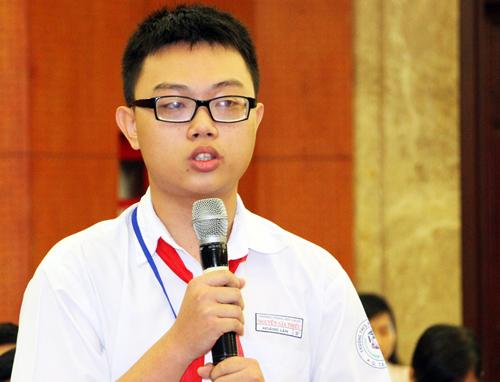 Ông Nguyễn Thiện Nhân muốn làm 'cây mai niềm vui' ở trường học