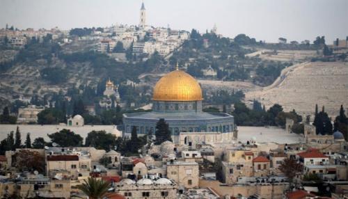 Jerusalem là nơi có nhiều khu vực linh thiêng của Do Thái giáo, Hồi giáo và Cơ Đốc giáo, đặc biệt là ở khu vực Đông Jerusalem
