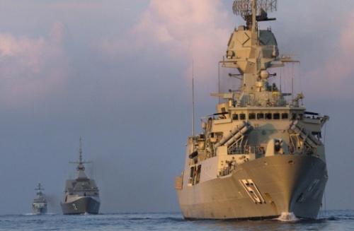 Tàu chiến Australia, Malaysia, Singapore diễn tập ở Biển Đông. Ảnh: AFR.